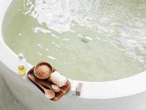 保湿効果の高い入浴剤人気ランキング10選!乾燥肌に贅沢な潤いを