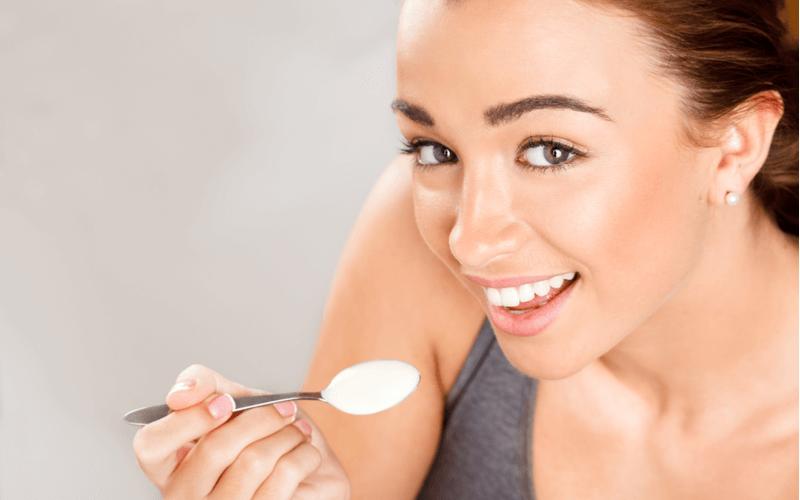 便秘改善にはヨーグルト!効果を上げるヨーグルトの食べ方とは?
