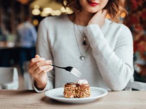 【管理栄養士監修】ダイエット中におすすめのおやつ15選!食べる時間や選び方、レシピもご紹介