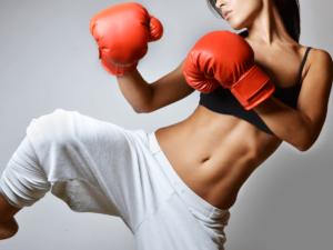 ストレス発散しながら美ボディを手に入れよう!キックボクシングは女性におすすめ