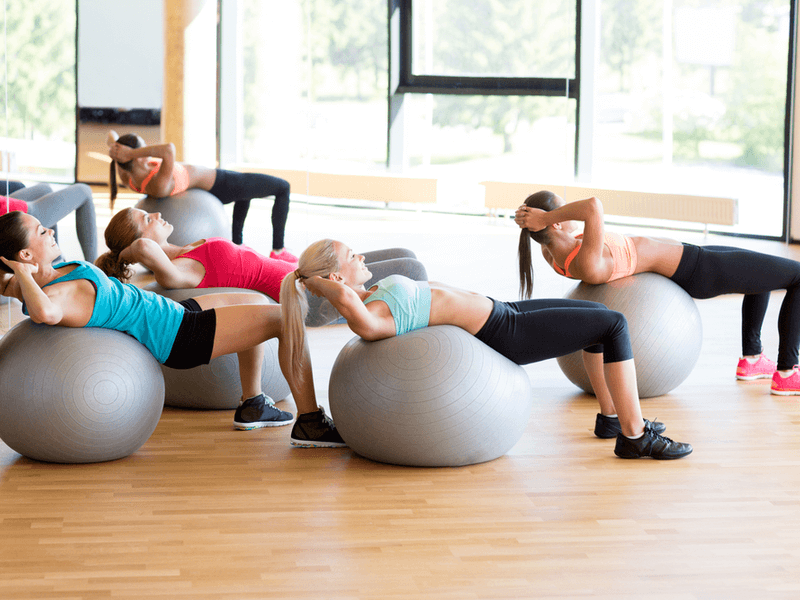 身体のバランスを整える?バランスボールの効果と正しい使い方!