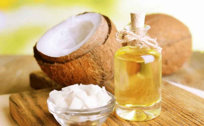 ココナッツオイルがもたらす16の効果とは?肌荒れやニキビ改善にも期待